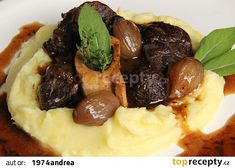Hovězí osso buco na víně recept - TopRecepty. Mashed Potatoes, Beef, Treats, Ethnic Recipes, Food, Whipped Potatoes, Meat, Sweet Like Candy, Goodies