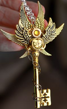 Gold Wings Key by KeypersCove on Etsy Key Jewelry, Cute Jewelry, Jewelery, Jewelry Making, Bullet Jewelry, Shell Jewelry, Fantasy Jewelry, Gothic Jewelry, Old Keys