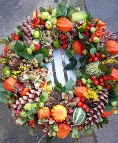 Herfstkrans - Lilly is Love Seasonal Decor, Fall Decor, Holiday Decor, Christmas Diy, Christmas Wreaths, Lavender Wreath, Fall Vegetables, Diy Fall Wreath, Deco Floral