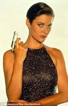 The Best Bond Girl Beauty Moments: Carey Lowell as Pam Bouvier in License to… James Bond Outfits, Best Bond Girls, Carey Lowell, Girl Film, James Bond Movies, Beauty Trends, Girl Outfits, Films, Cult Movies