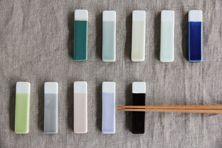 波佐見焼のカトラリーレスト (中川政七商店) Chopstick Holder, Chopstick Rest, Ceramic Spoons, Ceramic Clay, Japanese Ceramics, Japanese Pottery, Sculptures Céramiques, Ceramic Techniques, Plate Design