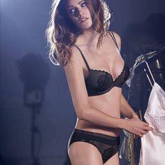SIMONE PERELE Soutien-gorge push-up Ceylan Noir en délicate dentelle à motif floral pour un look moderne.