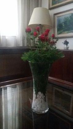 Centre flors Centre, Glass Vase, Home Decor, Homemade Home Decor, Decoration Home, Interior Decorating