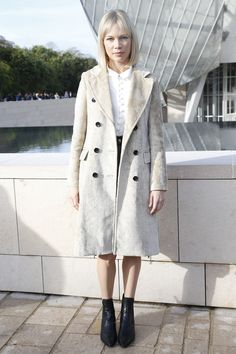Michelle Williams at Louis Vuitton Spring 2016 Ready-to-Wear