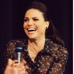 "♔Lana Maria Parrilla DiBlasio♔ no Instagram: ""I've been home alone all day and I cleaned the whole house so now I'm sitting down in my clean house, dog in lap, smoothie in hand, looking at stuff about Lana, listening to my favorite song, Life is gooood - Regina has really grown as a person - credit @oncerscene #ouat #onceuponatime #evilregal #reginamills #theevilqueen #lana #lanaparrilla #parrilla #idol"""