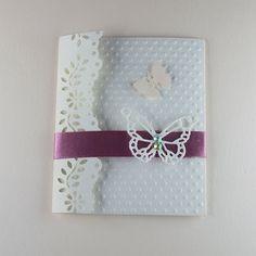 700be60d06901 Hermosa invitación para  bautizo  original diseño  personalizado  mariposas   niña  tienda