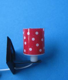 Wandlampe Schirm rot mit weißen Punkten Puppenhaus Möbel Wohnzimmer Diele Miniatur