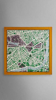 427cdfe85970 Carré de soie à imprimé plan de Londres   Burberry Soie, Carte De Londres,