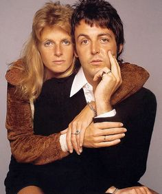 linda eastman with Paul on the cover of Rolling Stone in the 70s