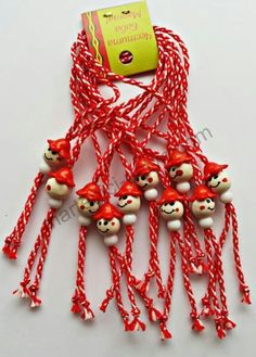 Baba Marta, Diy And Crafts, Arts And Crafts, Yarn Dolls, Pom Pom Crafts, Minnie Birthday, Rakhi, Food Humor, Flower Decorations
