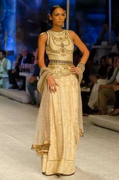 India Bridal Fashion Week 2013 The top looks like it copied the patiala necklace design