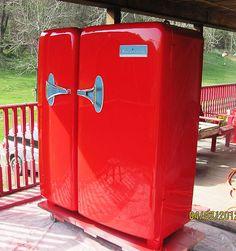beats, red kitchen, interior, appliances, 1950s, breakfast bars, kelvin foodarama, kitchen remodel, boots