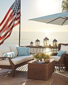 LAKE COTTAGE DREAMS: Beach House Decorating Ideas blue, cream and white room color