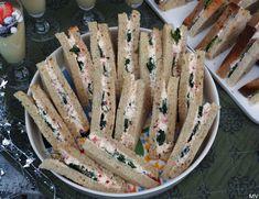 Kolmioleipien suolaiset täytteet x 3 - Kaakao kermavaahdolla Sandwich Cake, Party Platters, Gluten Free Recipes, Food Inspiration, Love Food, Tapas, Food Porn, Brunch, Food And Drink