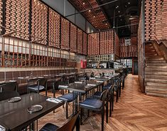 Image 19 of 38 from gallery of Fogon Restaurant / Hitzig Militello Arquitectos. Photograph by Mohammed Shehab Din School Architecture, Architecture Photo, Iron Windows, Glass Structure, British Pub, Window Frames, Wooden Bar, Cool Bars, Cafe Restaurant