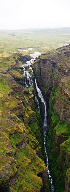 Waterfall Glymur, Iceland – Travel and see the world Wasserfall Glymur, Island – Reisen Sie und sehen Sie die Welt Beautiful Waterfalls, Beautiful Landscapes, Places To Travel, Places To See, Travel Destinations, Places Around The World, Around The Worlds, Beautiful World, Beautiful Places