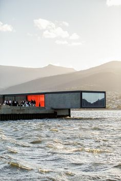 Architecture - Photography by Adam John Gibson Invite The World To Dinner at Restaurant Australia, Tasmania Cantilever Architecture, Water Architecture, Container Architecture, Beautiful Architecture, Contemporary Architecture, Interior Architecture, Minimalist Architecture, Container Buildings, Restaurant