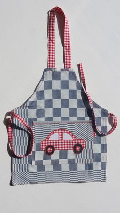 vw-kever schortje www.mooiismooi.nl Recycled Crafts, Diy Crafts, Diy Projects To Try, Volkswagen, Recycling, Sewing, Kids, Collection, Aprons