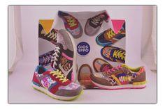 ¡Nos estamos llenando de color con todo lo nuevo para primavera! Alegra tus looks, con las atrevidas #sneakers modelo stetic #zapatillas   #zapatillascolor   #zapatillasdeportivas   #primavera2015   #colorful   #marlosshoes   #newlookfashion