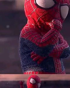 Do u like the little cute spiderman? Hot Toys Spiderman, Spiderman Suits, Spiderman Movie, Spiderman Cosplay, Amazing Spiderman, Marvel Universe Characters, Marvel Films, Avengers Movies, Marvel Comics Superheroes
