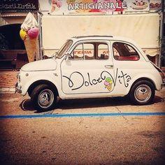 "Fiat Portugal (@fiat_pt) on Instagram: ""Vai um gelato? #Fiat500 #FiatPortugal #VintageCar"""