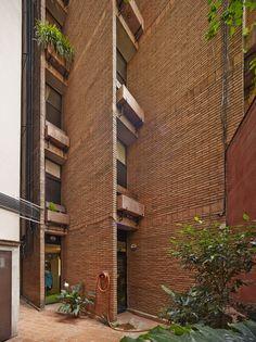 Bach 28 apartment building in Barcelona, Spain Ricardo Bofill Taller de Arquitectura