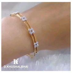 Gold Bangles Design, Gold Jewellery Design, Designer Bangles, Gold Jewelry, Jewelry Design Earrings, Gold Earrings Designs, Fashion Earrings, Bridal Bangles, Indian Gold Bangles