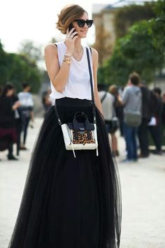 This would be a fabulous skirt to wear to LFW!