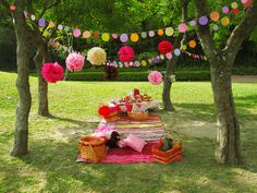 Open and check food ideas Picnic Theme, Picnic Birthday, Outdoor Birthday, Tea Party Birthday, Park Party Decorations, Birthday Decorations, Picnic Baby Showers, Outdoor Parties, Vintage Picnic