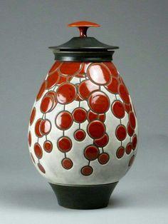 Rasmussons Ceramic Boxes, Glass Ceramic, Ceramic Pottery, Pottery Art, Ceramic Art, Clay Jar, Sculpture Lessons, Coil Pots, Pottery Techniques