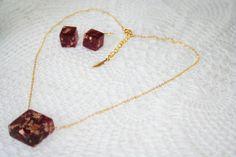 Retrouvez cet article dans ma boutique Etsy https://www.etsy.com/ca-fr/listing/458865334/bijoux-ensemble-boucles-doreilles
