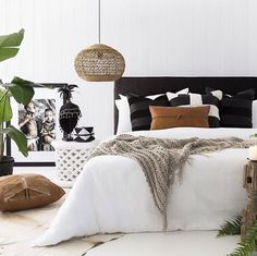 Add the mid-century decor touch to your home interior design project! This is the time to spend your evening nights with the very best of the dining room decor! Black Bedroom Decor, Tan Bedroom, Home Bedroom, Diy Bedroom Decor, Home Decor, Bedroom Ideas, Master Bedroom, Bedroom Inspo, Bedroom Designs