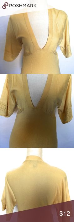 Nine & co medium knit top, eggshell Gently worn, perfect condition, crochet short sleeve, deep vneck, ribbed fitted bottom, eggshell color Nine & Co. Tops