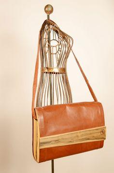Große Tasche aus Känguruleder Bags, Fashion, Leather, Handbags, Moda, Fashion Styles, Fashion Illustrations, Bag, Totes