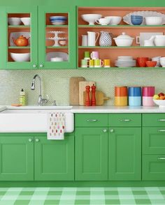 37 Unusual Retro Kitchen Design Ideas With Splash Of Colors To Have - This retro-style kitchen was decorated around its magnificent refrigerator that is so immediately redolent of the The base units were painted t. Green Kitchen Cabinets, Painting Kitchen Cabinets, Kitchen Paint, Kitchen Countertops, Happy Kitchen, Summer Diy, Summer Crafts, Floor Patterns, Painted Floors