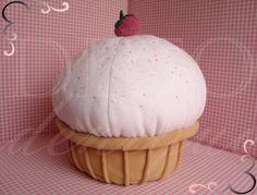DECOdeniquo Cupcake Pillow (Cupcake Yastık)