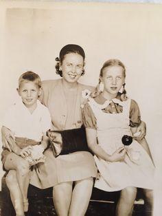 Mike(Slim), Helen and Robin