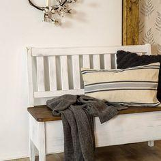 Rustikální jídelní lavice KOLMAR je stylová lavice s úložným prostorem, která se stane dominantou každé jídelny. Entryway Bench, Furniture, Home Decor, Entry Bench, Hall Bench, Decoration Home, Room Decor, Home Furnishings, Home Interior Design
