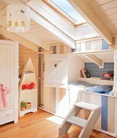 kinderkamer op zolder met bedstee #home #decor More