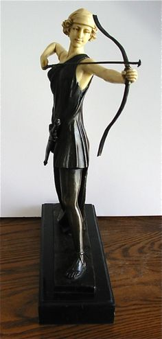 Sculpture Diana the Huntress Archer Preiss - Powerful Vintage Reproduction