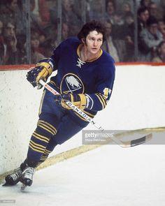 Wayne Gretzky, Buffalo Sabres, Hockey Games, National Hockey League, Hockey Players, Skate, Baseball Cards, Sports, Eagle