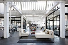 Nancy Meyers, the intern, office loft, set design, industrial style, modern, black and white