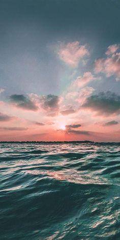 Sunrising Pic of the Day Feeling coral beach sunrise sunrises tropics beaches Strand Wallpaper, Sunset Wallpaper, Iphone Background Wallpaper, Aesthetic Backgrounds, Aesthetic Wallpapers, Sunrise City, Beach Sunrise, Ocean Sunset, Sunrise Background