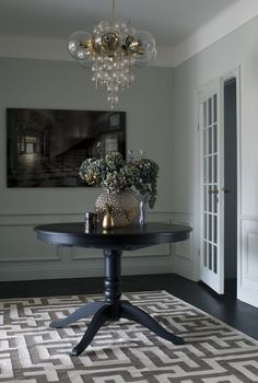 New Swedish Rug Company Room Rugs, Rugs In Living Room, Decoration Entree, Swedish Interiors, Classic Interior, Interior Design Inspiration, Design Ideas, Interior And Exterior, Home Accessories