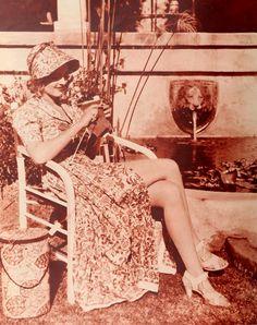 Bette Davis knitting.