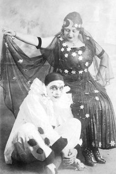 Vintage pierrot & ?fortune teller?   No information.