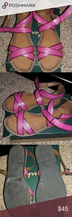Clarks Billie Jazz Fuschia size 6M Excellent condition, worn twice Clarks Shoes Sandals