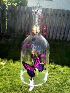 Recycled Wine Bottle, Butterfly Wind Chime, Yard Art, Glass - All About Glass Bottle Crafts, Wine Bottle Art, Diy Bottle, Beer Bottle, Glass Bottles, Recycled Wine Bottles, Painted Wine Bottles, Carillons Diy, Easy Diy