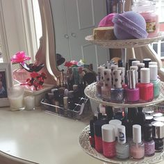 Great Nail Polish Storage ♡; also love the brush storage in the background!! Would be a great idea! Do i have the space though?