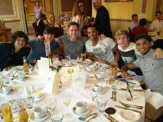 The boys, Olly, and JLS at dinner. If I was at this restaurant I would literally just fall over dead!!!